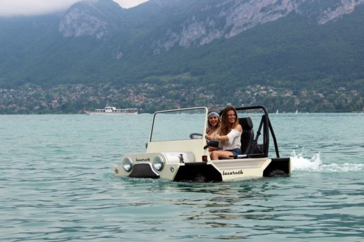 Moke Lazareth, voiture-bateau amphibie